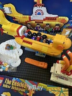LEGO Yellow Submarine (21306) including The Beatles